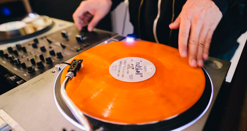 Turntables and Vinyl Records for DJ